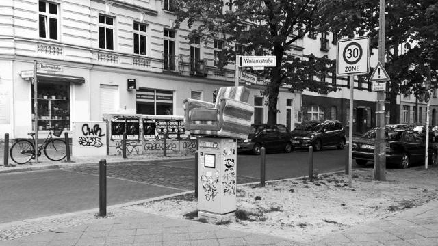 berlin armchair trash